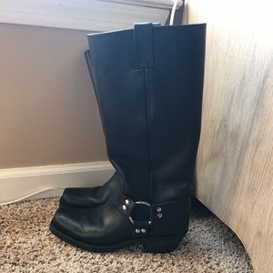 Black Frye boots in excellent condition